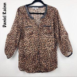 Daniel Rainn leopard blouse too large
